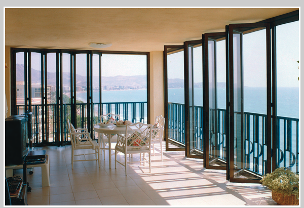 Bi folding glass wall system for Retractable glass wall system