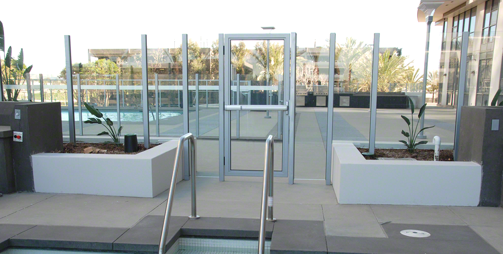 Frameless Glass Windscreen Systems Installation Image